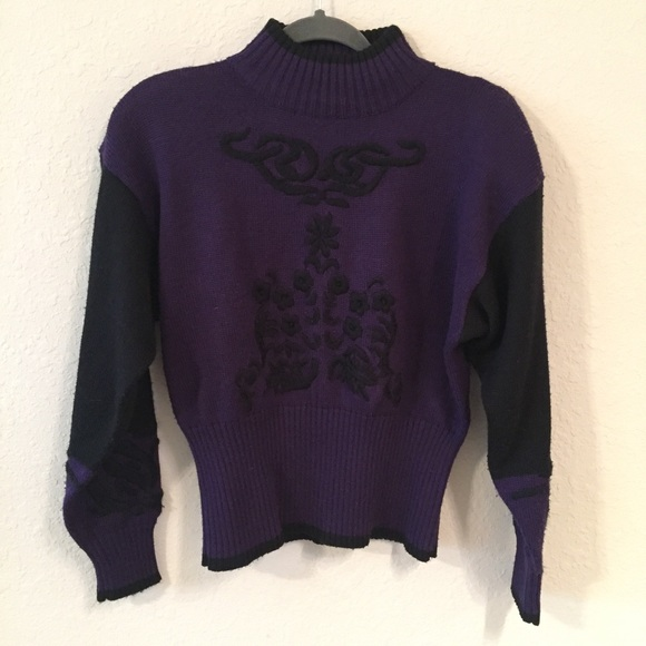 Vintage NILS Embroidered Wool Mock Neck Sweater